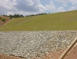 大坝草皮护坡
