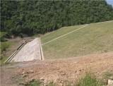 大坝背水坡全貌